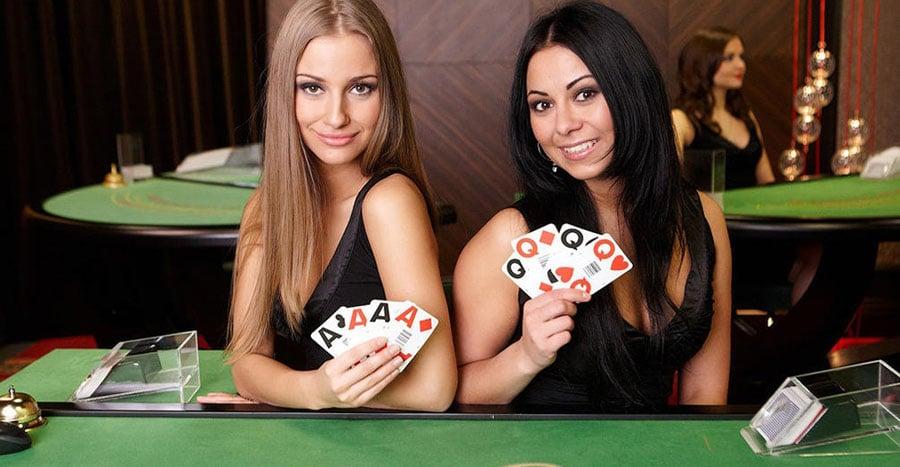 How Do Live Casinos Work?